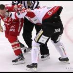 Ljungby 2012-02-17 Ishockey HockeyAllsvenskan IF Troja-Ljungby - Örebro: Fight mellan Örebro 33 Martin Filander och Troja Ljungby forward 52 Mikael Ahlén.