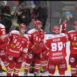 Ljungby 2012-02-17 Ishockey HockeyAllsvenskan IF Troja-Ljungby - Örebro: Jubel hos Troja Ljungby efter seger med 5-1 mot serieledande Örebro.