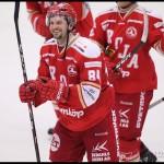 Ljungby 2012-02-17 Ishockey HockeyAllsvenskan IF Troja-Ljungby - Örebro: Troja Ljungby forward 84 Janos Vas är glad